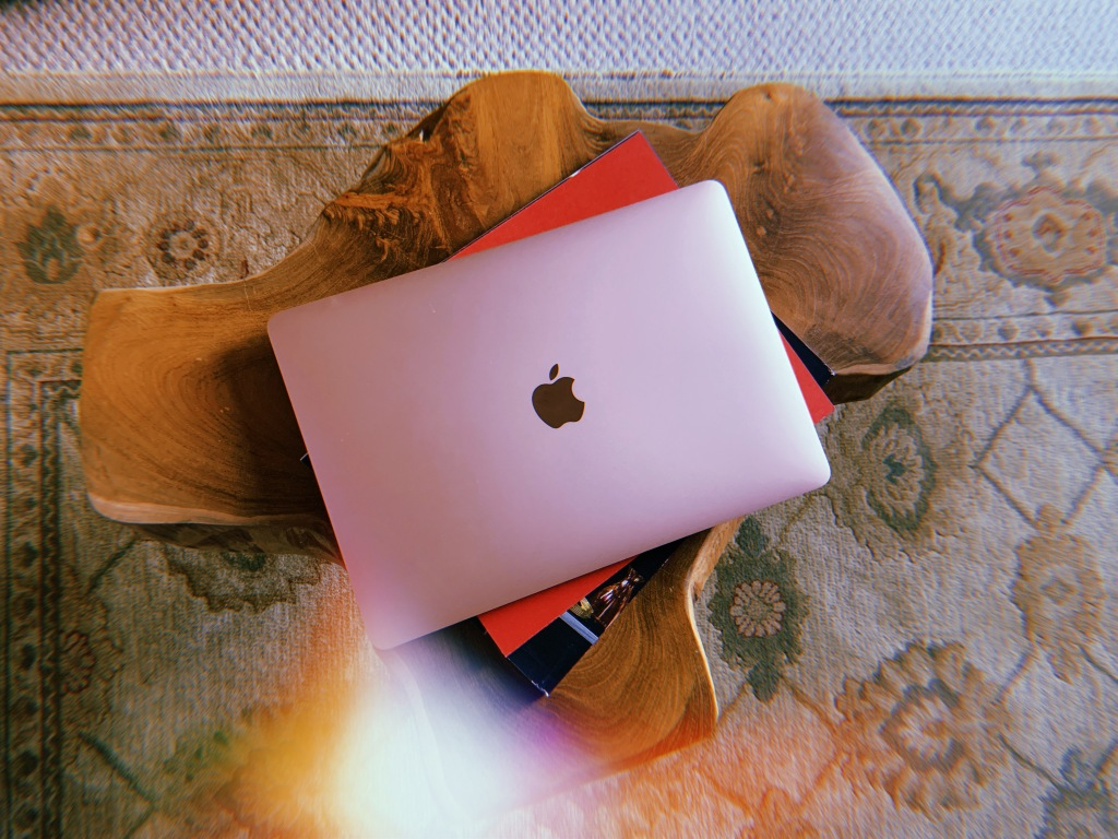 apple-macbook-record-weekly
