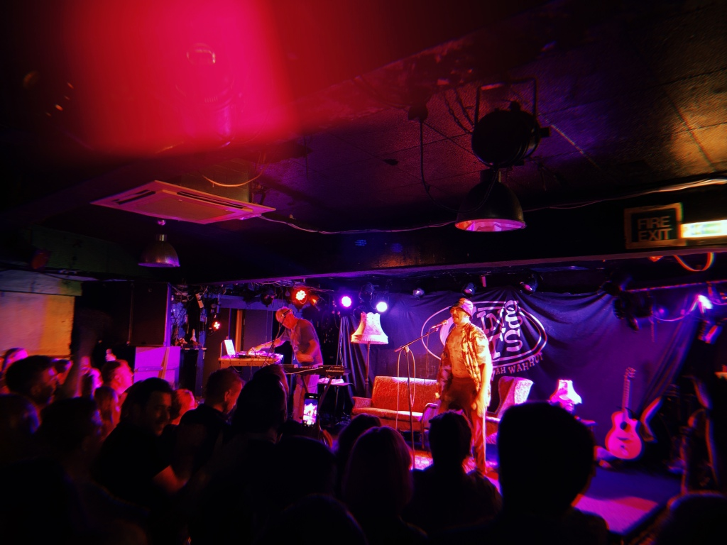 hyyts-gig-review-record-weekly